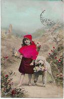 L100G522 - Fillette Avec Des Fleurs Et Son Caniche Dans La Campagne  - EAS - Scènes & Paysages