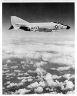 AVION LE F-4 B PHANTOM II  CHASSEUR DE LA MARINE AMERICAINE  PHOTO ORIGINALE 25 X 20 CM - Aviation