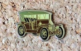 Pin's Peugeot 81B 1906 - Verni époxy - Fabricant CEC/ID PREMIER - Peugeot