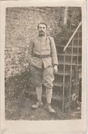 Militaire En Tenue N°134 Sur Le Col Infanterie ? - Régiments