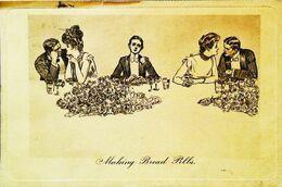 CPA   Couple   Celibataire Single Man   Tenir La Chandelle   Making Bread Pills 1909 - Couples