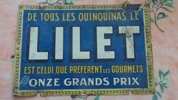"""Publicité Lilet """"le Quinquina Des Gourmets""""; Pub Imprimé Sur Papier Collé Sur Une Plaque En Tôle Souple.Format 33cmX22cm - Blechschilder (ab 1960)"""