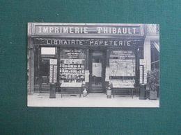 CPA FONTAINEBLEAU LIBRAIRIE PAPETERIE THIBAULT TOURNIQUET A CARTES POSTALES 1909 SUPERBE - Fontainebleau