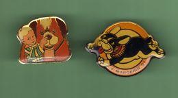 CHIEN *** Lot De 2 Pin's Differents *** 0030 (7-2) - Animals