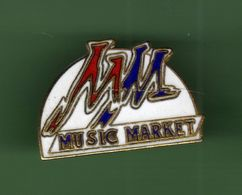 MUSIC MARKET *** 0030 (7-2) - Music