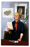 Little Girl Pioneer In School Class STALIN Socialist Realism Russian Postcard - Andere Zeichner