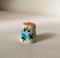 Thimble FLORAL Gzhel Hand Painted Made Solid Porcelain Russian Ethnic Souvenir - Dés à Coudre
