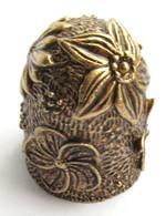 Thimble FLOWERS Decor Lotus Solid Brass Metal Russian Style Souvenir Collection - Dés à Coudre
