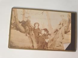 Cdv Ancienne Années 1800 Portrait D Une Famille . Ville De Monmouth  Pays De Galles - Oud (voor 1900)