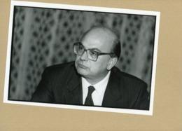 BETTINO CRAXI  Leader Du Parti Socialiste Italien  En 1986 - Personnes Identifiées