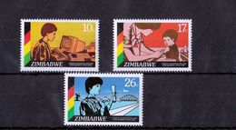 Zimbabwe - UMM UN Women 1985 - Zimbabwe (1980-...)