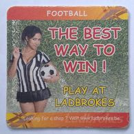 Beer Mat/coaster With PRETTY GIRLS PICTURES - FOOTBALL - Sotto-boccale