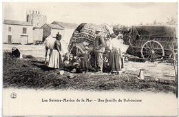 LES SAINTES MARIES DE LA MER - Une Famille De Bohémiens (2630 ASO) - Saintes Maries De La Mer