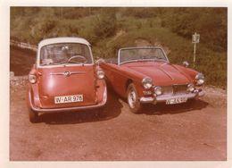 MG UK Car Und BMW Isetta - Auto's