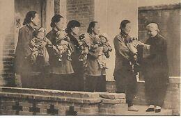 Cpa Chine Vierge Qui A Baptissé 3000 Enfants - Cina