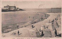 35 SAINT MALO Plage De L'Eventail Et Le Fort National ; Cabines - Animée - Saint Malo