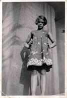 Photo Originale Portrait De Pin-Up Adolescente En Vue Contre-Plongée En 1933 - Pin-Ups
