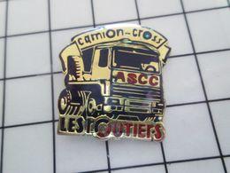 216a Pins Pin's / Rare & Belle Qualité THEME SPORTS / Encore Un Sport Bien Intelligent ! CAMION-CROSS ASCC LES ROUTIERS - Automobilismo - F1