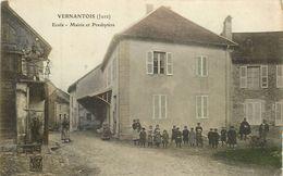 VERNANTOIS école Mairie Et Presbytère - Frankreich