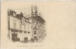 D75 - PARIS 10e - LE FORT CHABROL - LE DRAPEAU NOIR -Pancarte :... L'Armée-A Bas Les Traites - PRECURSEUR - Distrito: 10