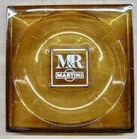 CENDRIER EN VERRE M & R MARTINI ( 227 MM X 227 MM POIDS 1183 GRAMMES ) - Asbakken