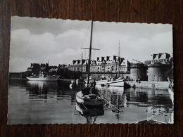 L28/897 SAINT MALO . LE PORT DE YACHTS . LA GRAND' PORTE . LES REMPARTS - Saint Malo