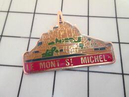 216a Pins Pin's / Rare & Belle Qualité THEME VILLES / LE MONT ST MICHEL MANCHE NORMANDIE - Merken
