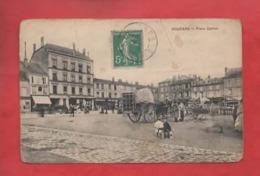 CPA Abîmée  -  Vouziers  -  Place Carnot - Vouziers
