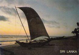 Sri Lanka Tramonto Sunset Coucher Du Soleil Barca A Vela Spaggia Playa Beach - Sri Lanka (Ceylon)