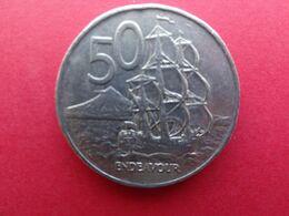 New Zealand  50  Cents  1976  Km 37.1 - New Zealand