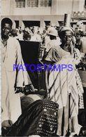 139506 AFRICA SENEGAL DAKAR COSTUMES NATIVE IN MARKET SANDAGA POSTAL POSTCARD - Cartoline