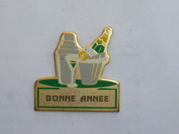 Pin's CHAMPAGNE, BONNE ANNEE - Beverages