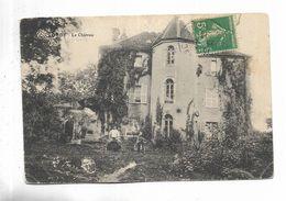 70 - OUGE - Le Château. Petite Animation. - Andere Gemeenten