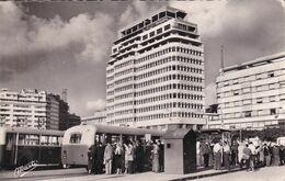 MAROC - CASABLANCA - Les T.A.C. Et La Place De France (Autobus,Autocar)) - Casablanca