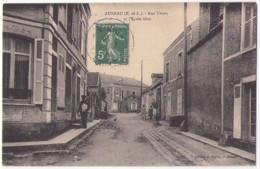 (28) 002, Auneau, Ravet, Rue Thiers Et L'Ecole Libre (petit Métier, Livreur De Journaux) - Auneau
