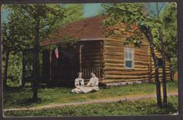 Postcard - USA - Circa 1940 - Women Sitting In Front Of Wooden House - Non Circulee - A1RR2 - Autres