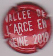 Capsule Champagne ROUTE DU CHAMPAGNE 2019 ( 74 ; Vallée De L'Arce En Seine 2019 , Rouge Et Crème ) {S34-20} - Champagne