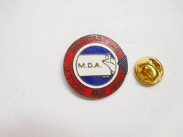 Beau Pin's En EGF , N.A.C.L. Delivers The Cure , M.D.A. , USA - Villes