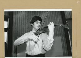 DOMINIQUE JUCHORS Violoniste Du Groupe  NOIR DESIR  1982 - Personnes Identifiées