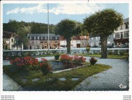 Carte ( Format 15 X 10,5 Cm ) De Nexon  Jardin Public   ( Recto Verso ) - France