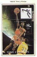 SANTO TOME E PRINCIPE 1992 - OLYMPICS BARCELONA 92 - BASKETBALL - YVERT Nº 1HB 137 - MICHEL BLOCK 277 - Ete 1992: Barcelone