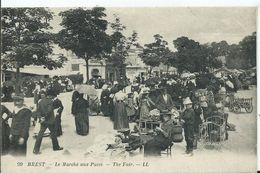 BREST - Le Marché Aux Puces - Brest