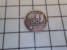 1820 Pins Pin's / Rare & Belle Qualité THEME MARQUES / SORTE D'USINE CHIMIQUE CPCT Par PICHARD - Merken