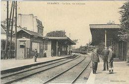 SEINE ST DENIS : La Gare, Animée... - Le Raincy
