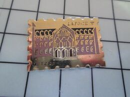 1820 Pins Pin's / Rare & Belle Qualité THEME POSTES / FORME TIMBRE-POSTE LA POSTE METZ RP Par PENN Pas Sean ! - Merken