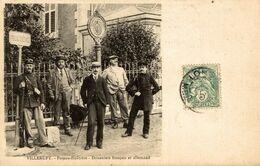 54-VILLERUPT- POTEAU-FRONTIERE- DOUANIERS FRANCAIS ET ALLEMAND - Autres Communes