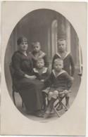 59 CAMBRAI Carte Photo D'une Famille - Cambrai