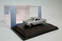 Oxford - CHEVROLET CORVAIR COUPE 1963 Gris Métallisé Voiture US Neuf HO 1/87 - Strassenfahrzeuge