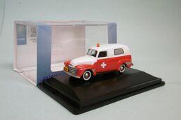Oxford - CHEVROLET PANEL VAN 1950 Ambulance Voiture US Neuf HO 1/87 - Strassenfahrzeuge