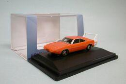 Oxford - DODGE CHARGER DAYTONA 1969 Orange Voiture US Neuf HO 1/87 - Strassenfahrzeuge